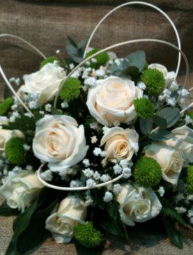 Composizione centrotavola bianco e verde