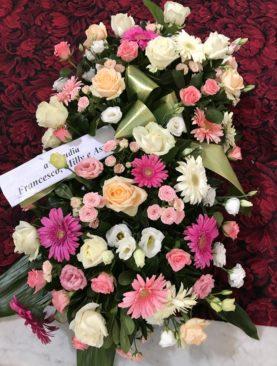 Cuscino funebre tonalità di rosa