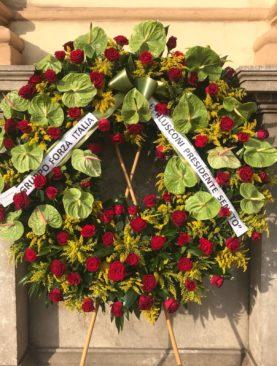 Corona funebre anthurium e rose.