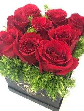 Scatola di rose rosse - Composizione